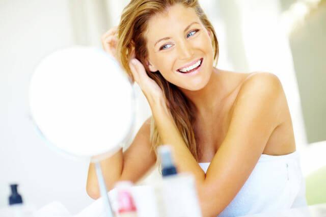 ¿Está bien utilizar la toalla de baño para secar tu cara?
