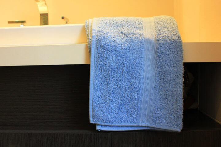 Aprende a identificar toallas de mano de calidad en 4 pasos #infografía