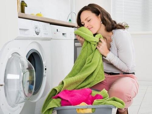 Trucos para conservar la suavidad, absorción y color de tus toallas